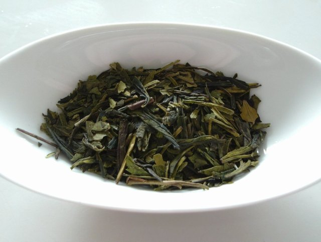 Dragon Well Longjing tea leaves