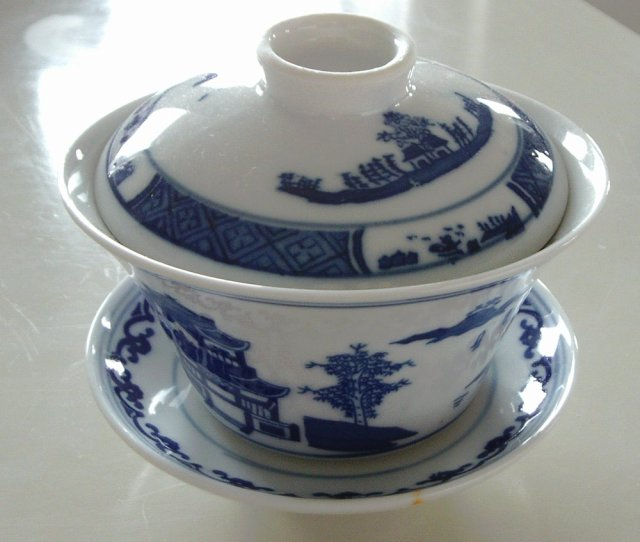 Blue Willow pattern gaiwan