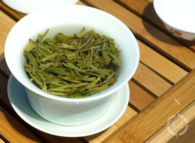 West Lake Longjing steeping in a gaiwan