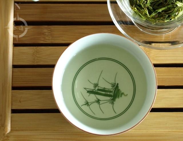 anji bai cha - in the cup