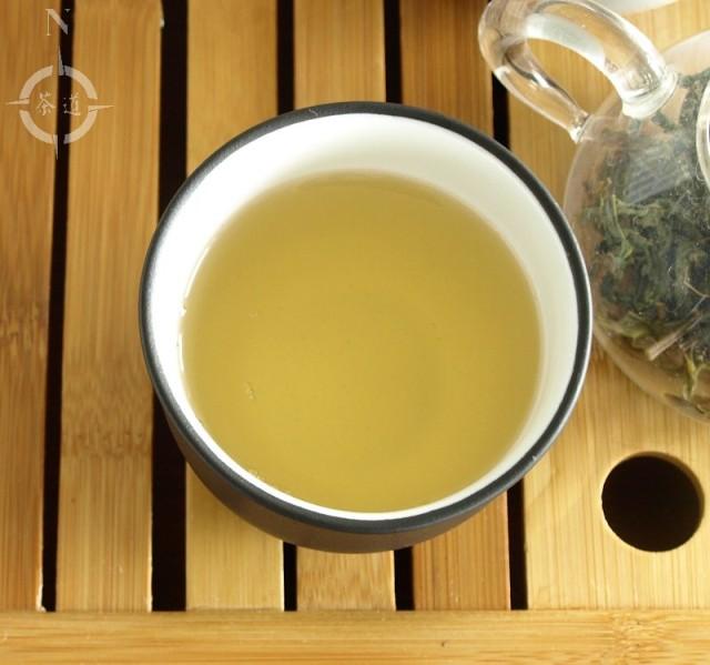 a cup of Feng Huang Xing Ren Dancong