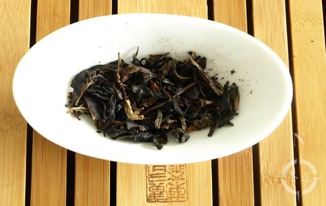 canton-raw-de-hong-ye-sheng-dry-leaves