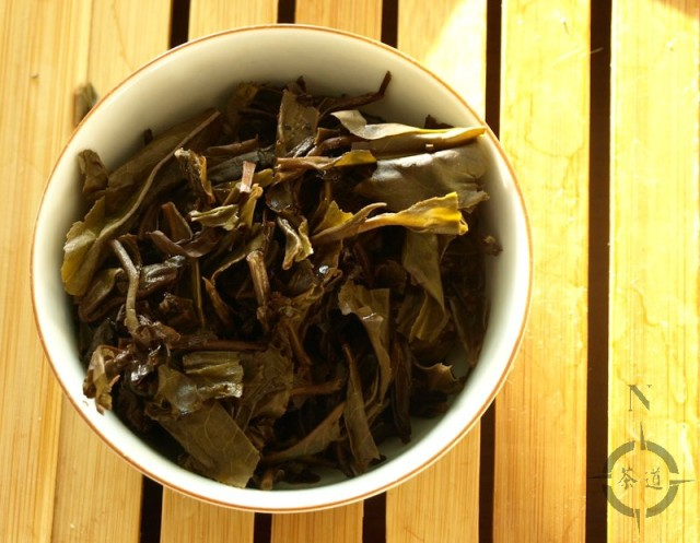 2010-autumn-nan-nuo-shan-used-leaves