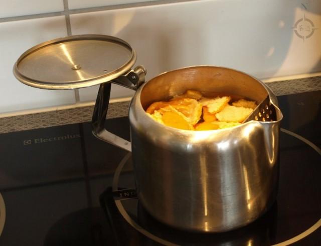 satsuma shou - peel in kettle