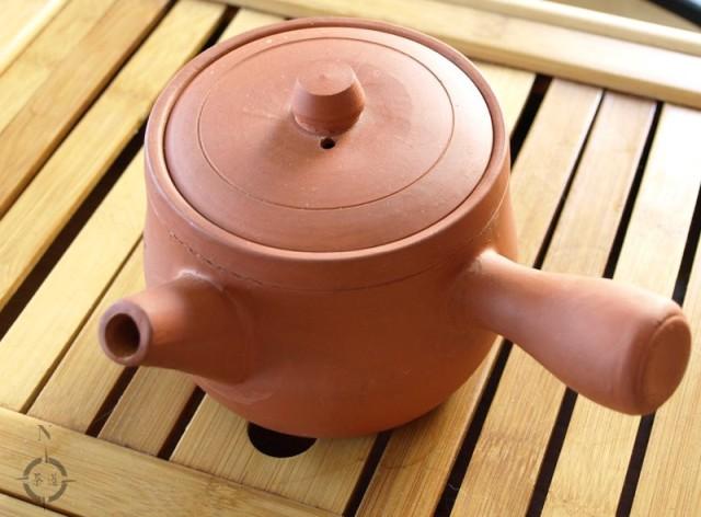 kyusu style clay pot